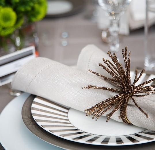 Custom Table Settings: Lisa Mcdennon